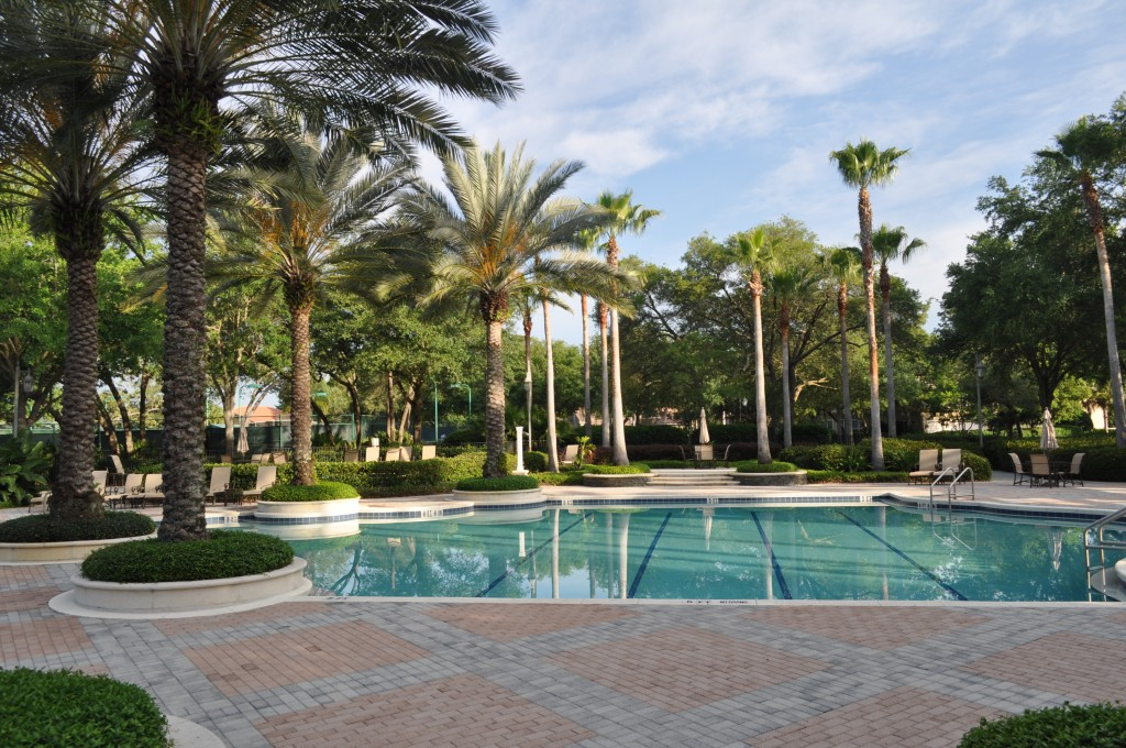 a community shot of Alaqua Lakes, on OrlandoFineProperties.net